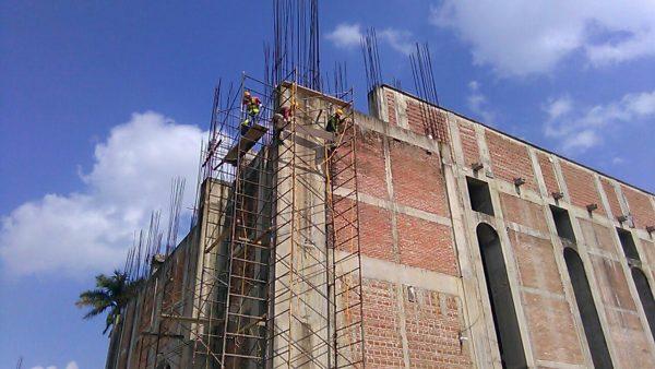 Reinician trabajos de edificación de Catedral La Barca en Tuxtepec