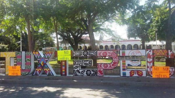 Protestan motociclistas de Tuxtepec por pago de verificación