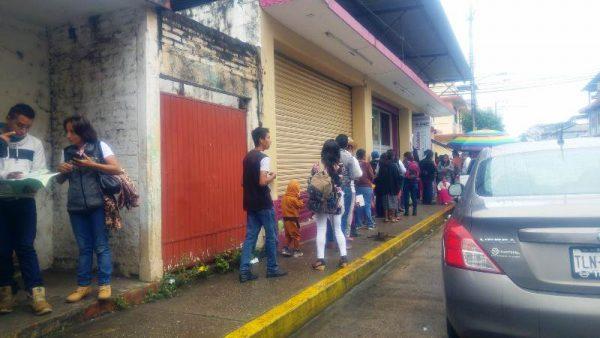 INE pide priorizar trámites, ante gran número de ciudadanos que acuden