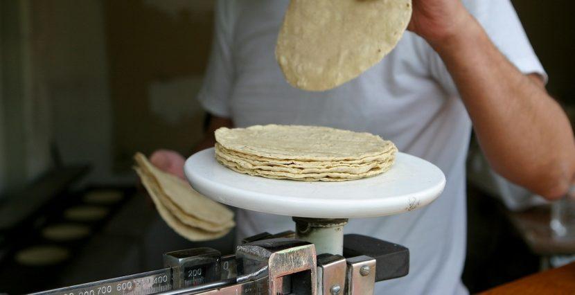 Incrementa la tortilla en Tuxtepec, el precio llega a los 18 pesos