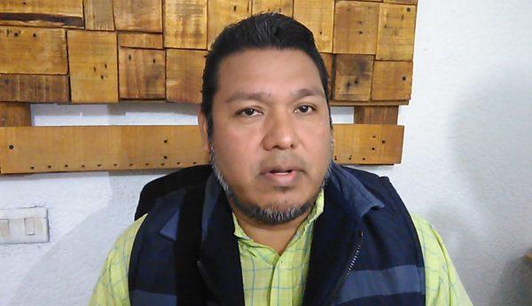 Denuncian padres de familia que algunos choferes están cobrando el pasaje en nueve pesos
