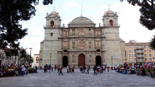 Postura de la Arquidiócesis de Oaxaca ante protesta en la Catedral