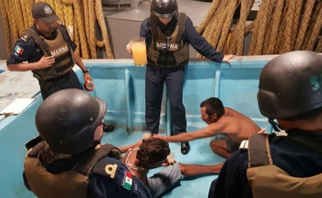 Rescatan a 3 pescadores desaparecidos en Oaxaca