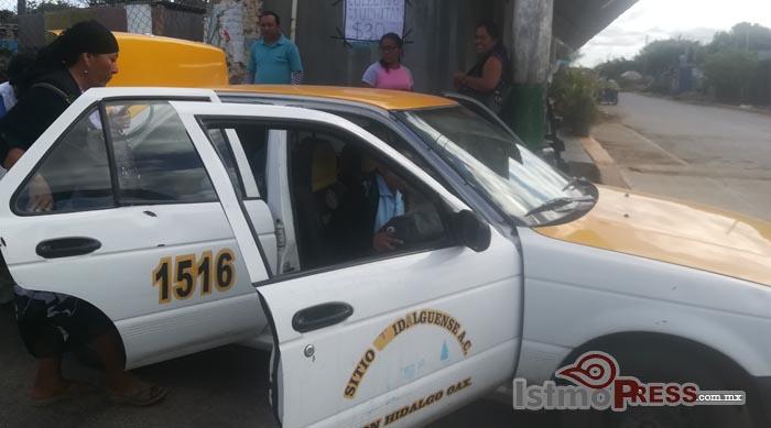 Aumentan taxistas de Unión Hidalgo tarifa ante alza de gasolina