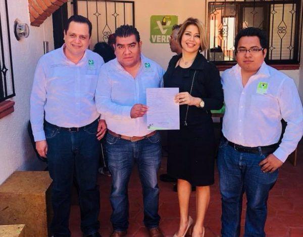 Se registra Hirery Domínguez como precandidata a presidenta de Tuxtepec por el PVEM