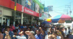En medio de manifestaciones, Murat, realizó gira en Tuxtepec