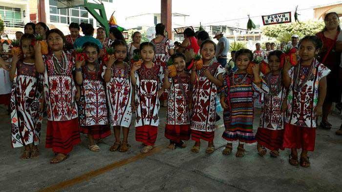 Celebran 35 escuelas bilingües, Día Internacional de la Lengua Materna en Valle Nacional