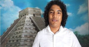 Jesús Nolasco amante de la pintura, expone sus obras en Tuxtepec