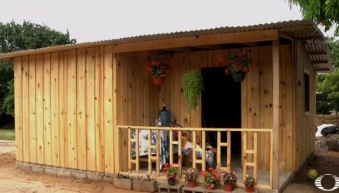 Donan casas ecológicas y antisísmicas en Juchitán