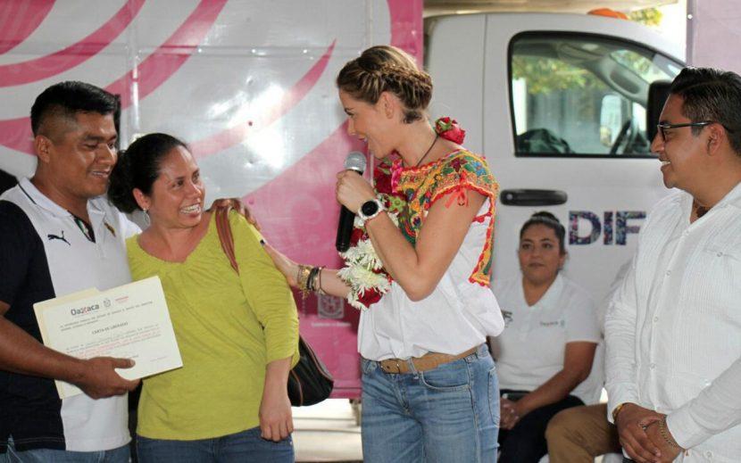 """DIF Oaxaca realiza gira de trabajo """"Juntos"""" en la región de la Costa"""