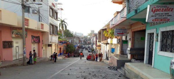 Amanecen habitantes de Jamiltepec en alerta por réplicas