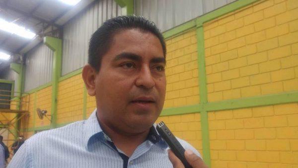 Acusan a edil de Jacatepec de duplicar valor de obras y desviar recursos del ramo 33