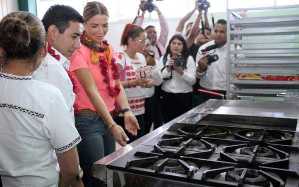 DIF Oaxaca realiza gira de trabajo en el municipio de San Jacinto Amilpas