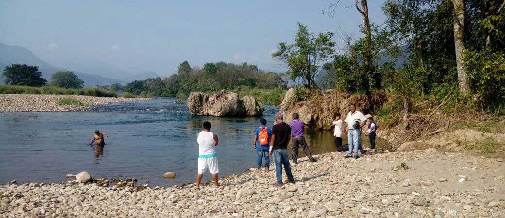 Rescatan cuerpo de joven ahogado en Valle Nacional