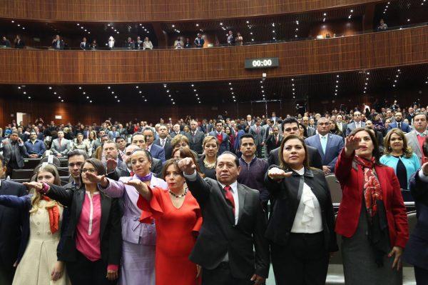 Silvino Reyes rinde protesta como Diputado Federal