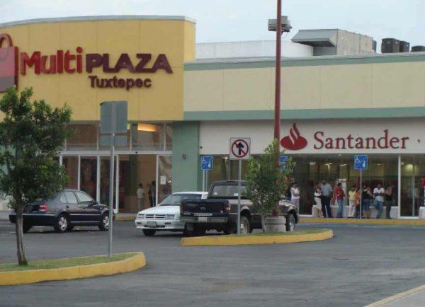 Por tercera ola de covid en Tuxtepec, baja afluencia en la multiplaza un 70%