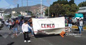 Marchan normalistas en Oaxaca para pedir 400 plazas automáticas