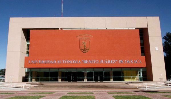 Aplazan elecciones para cambio de rector en la UABJO
