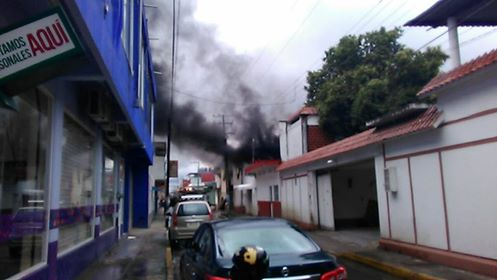 Se incendia bodega de medicamentos de la Jurisdicción Sanitaria en Tuxtepec