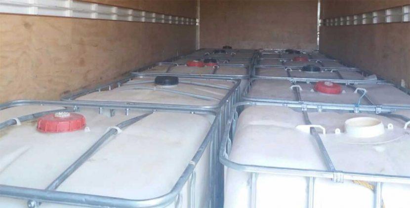 Aseguran en Oaxaca camión cargado con 8 mil litros de hidrocarburo