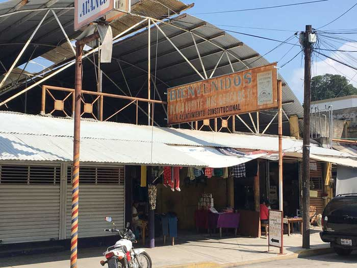 Ambulantes de acuerdo en reubicarse en Mercado Avante de Tuxtepec