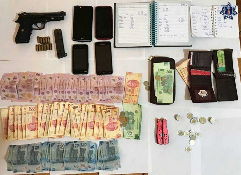 Reporta la Policía Estatal la detención de tres personas que viajaban armadas