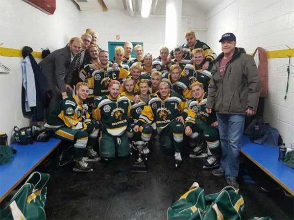 Tragedia deportiva en Canadá: mueren 14 jugadores de hockey en choque