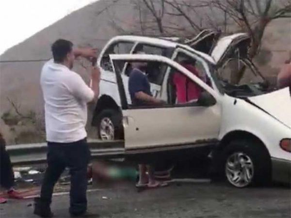 Fallecen nueve miembros de una familia en accidente automovilístico