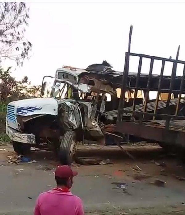 Dos muertos y  desinterés de las autoridades, a cinco días del choque en La Mina