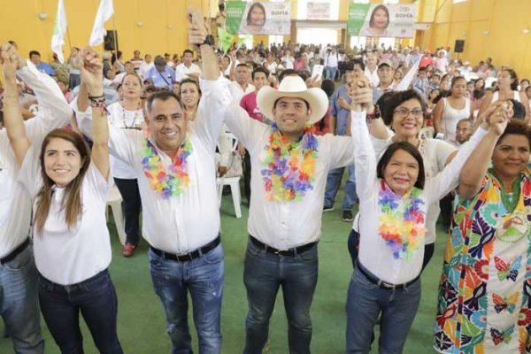 """Candidatos """"Coalición Todos por México"""" muestran musculo en Loma Bonita en gira regional de trabajo"""
