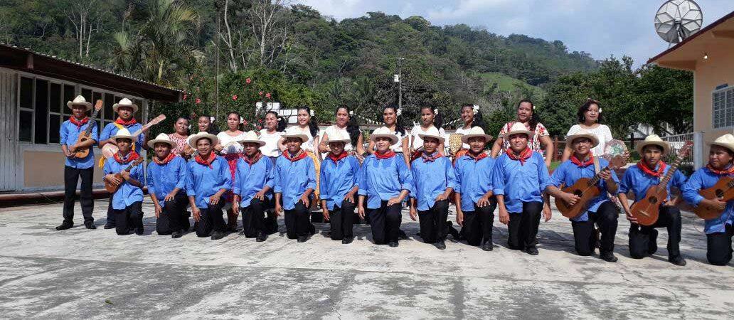 En Valle presentan a Fandango Cuenqueño ante el Comité de Autenticidad de la Guelaguetza