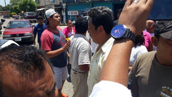 Transportistas interponen demanda en contra de habitantes de San Bartolo por retención de unidad