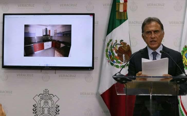 PGR entrega a gobierno de Veracruz 4 departamentos de Duarte