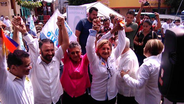 Laura Castellanos inaugura casa de campaña en Tuxtepec