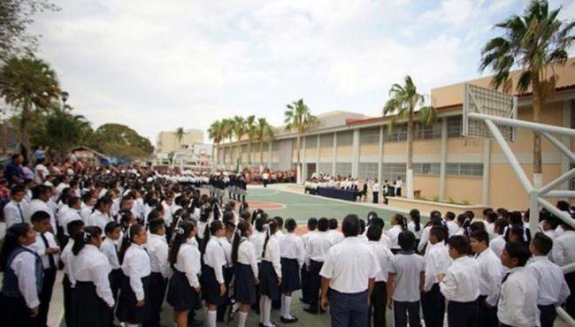 Reabre escuela reconstruida en Juchitán