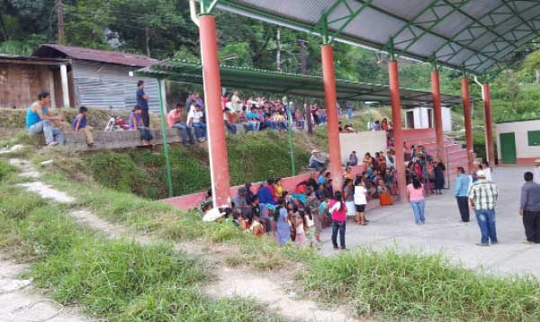 Matan a alumna de telesecundaria y dejan a su madre gravemente herida, en la Cañada