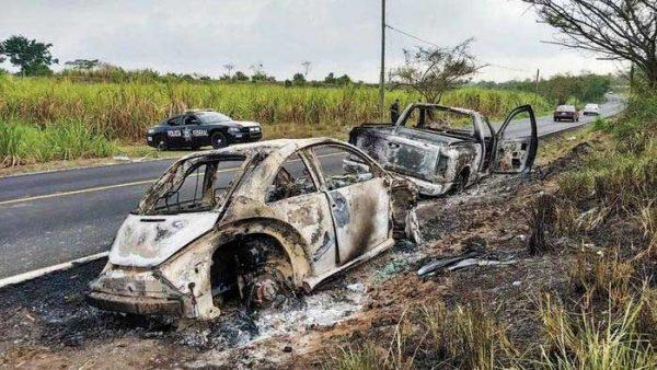 Hallan calcinados vehículos de los jóvenes desaparecidos en Temascal