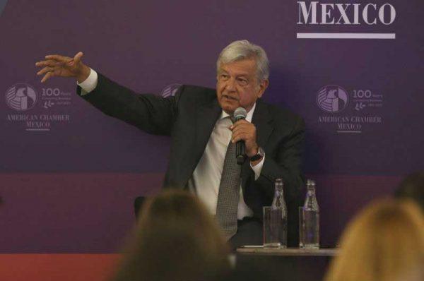 AMLO propone homologación de salarios entre México y EU ante la American Chamber
