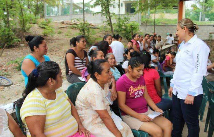 Laura Castellanos continúa recorriendo la Cuenca