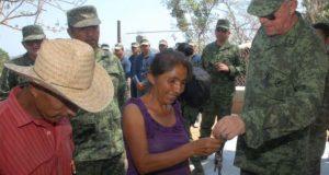 Entrega Sedena viviendas a damnificados de Oaxaca