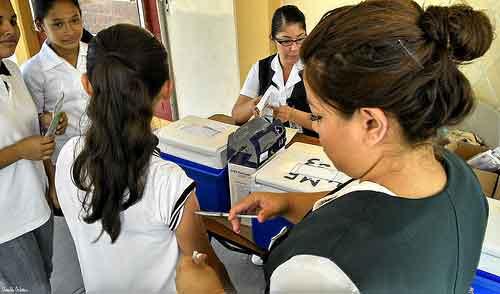 Busca Sector Salud prevenir virus del papiloma humano a través de jornada de vacunación