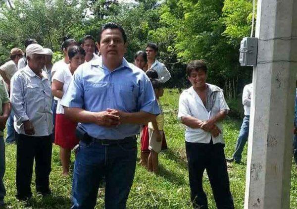 En Chiltepec: Candidato del PANAL pide piso parejo y que la edil pida licencia