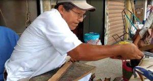 Narciso González agradecido por 50 años de ser zapatero