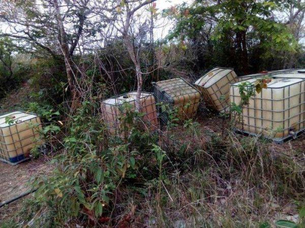 Fuerzas estatales localizan alrededor de 3 mil 900 litros de hidrocarburo en Santa María Petapa