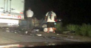 Choque entre motociclista y auto deja 3 muertos en Oaxaca