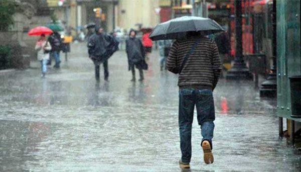 Prevén lluvias y ambiente caluroso en estados del país