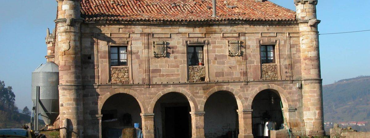 Un palacio cántabro del siglo XVII, usado como cuadra