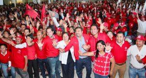 Contundente respaldo de Huajuapan   a Raúl Bolaños Cacho Cué