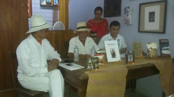 """Presenta Samuel Aguilera su libro """"El Señor del Agua"""""""