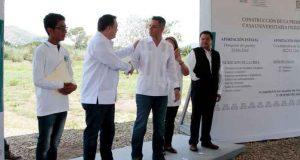 El Gobernador del Estado y el Director de la CDI, supervisan construcción de la Primera Casa Universitaria Indígena a nivel nacional